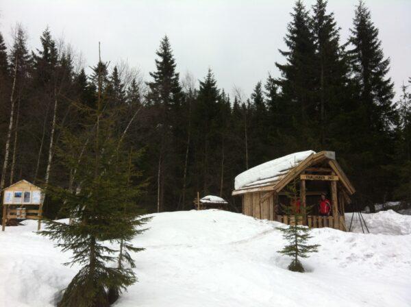 Fortsatt fine vinterforhold for en helgetur til Trøllkjerka.