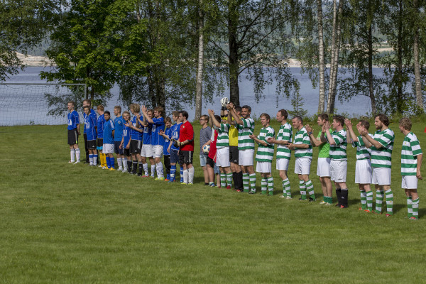 Fotballkamp mellom FCFC mot Stian Allstars