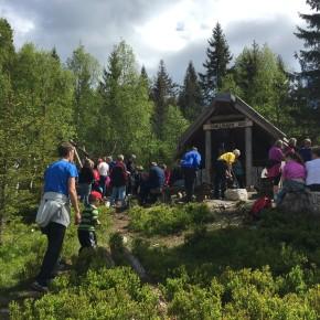 Samling ved Trøllkjerka