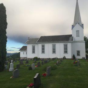 Dugnad på kirkegården 4. mai