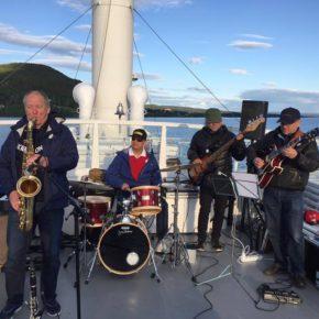 Swingjazz-konsert på Fløygir