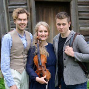 Fredholms trio til Fløygir