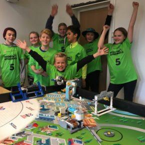 Feiringelever forsker på vann i Lego League